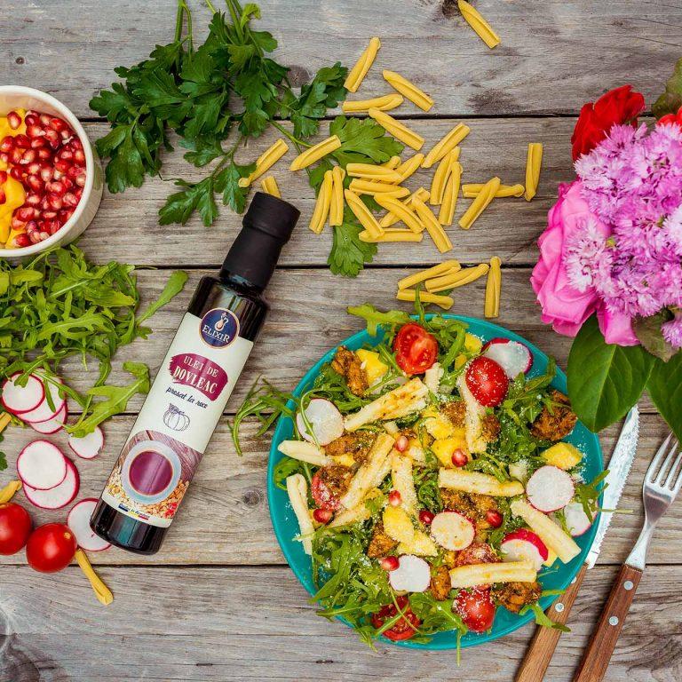 Salată de paste cu pui, mango, rucola și ulei de dovleac Elixir